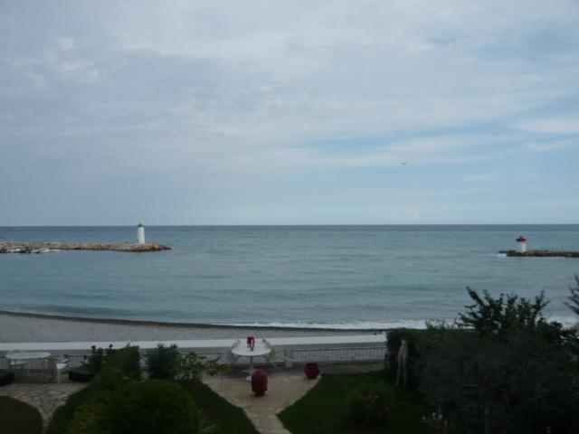 Vente marina baie des anges grand 3 pi ces vue mer for Piscine marina baie des anges